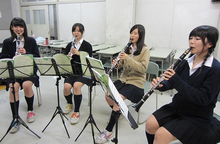 千葉県立国府台高校吹奏楽部女子